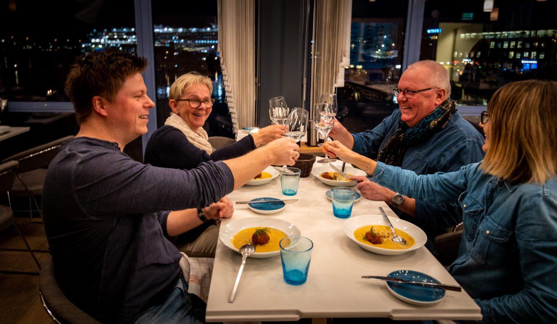En hyggelig familiemiddag på Brygga 11